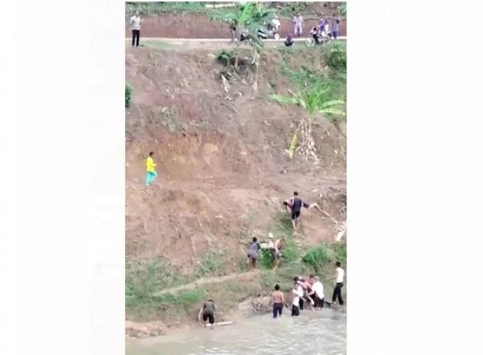 Dua Remaja Putri Tewas Tenggelam di Saluran Bendungan Way Sekampung