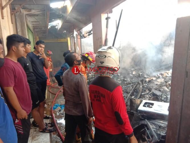Dua Ruko dan 6 Kios Ludes Terbakar, Kerugian Ratusan Juta