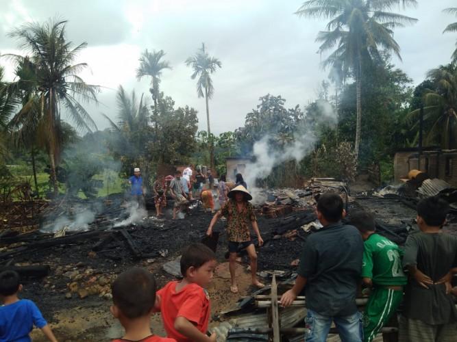 Dua Rumah Warga di Pekon Bandarjaya Ludes Terbakar