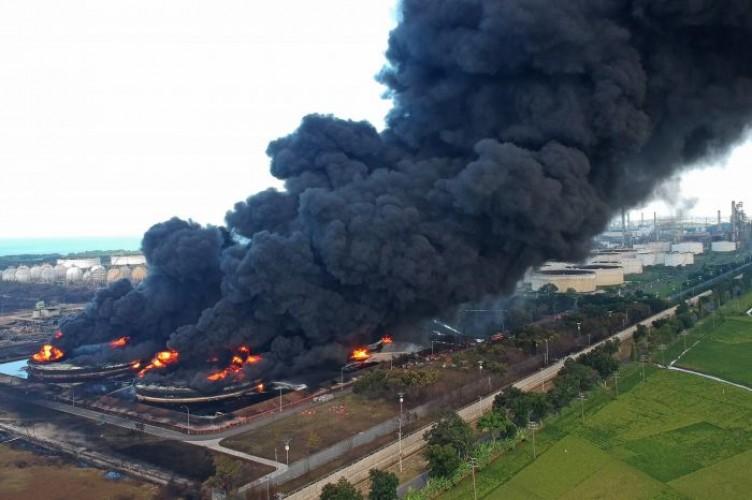 Dua dari Empat Tangki Pertamina yang Terbakar Dipadamkan