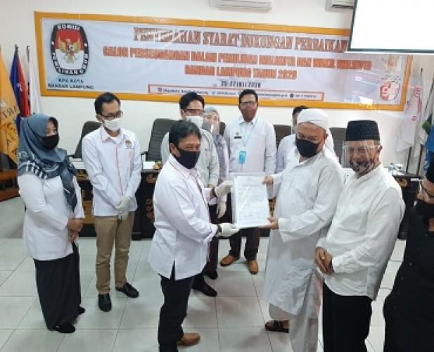 Duet Firmansyah-Bustomi Menyerahkan 55.555 Dukungan Perbaikan ke KPU