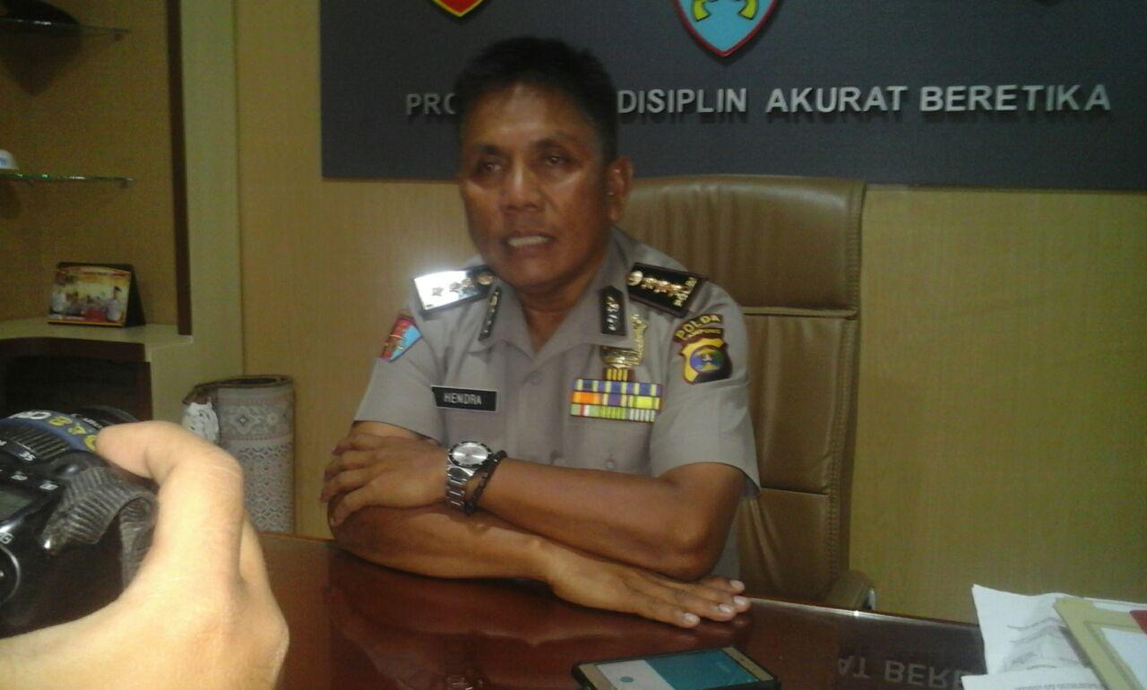 Propam Gunduli Sampai Plontos Oknum Polisi Penganiaya Tukang Cukur