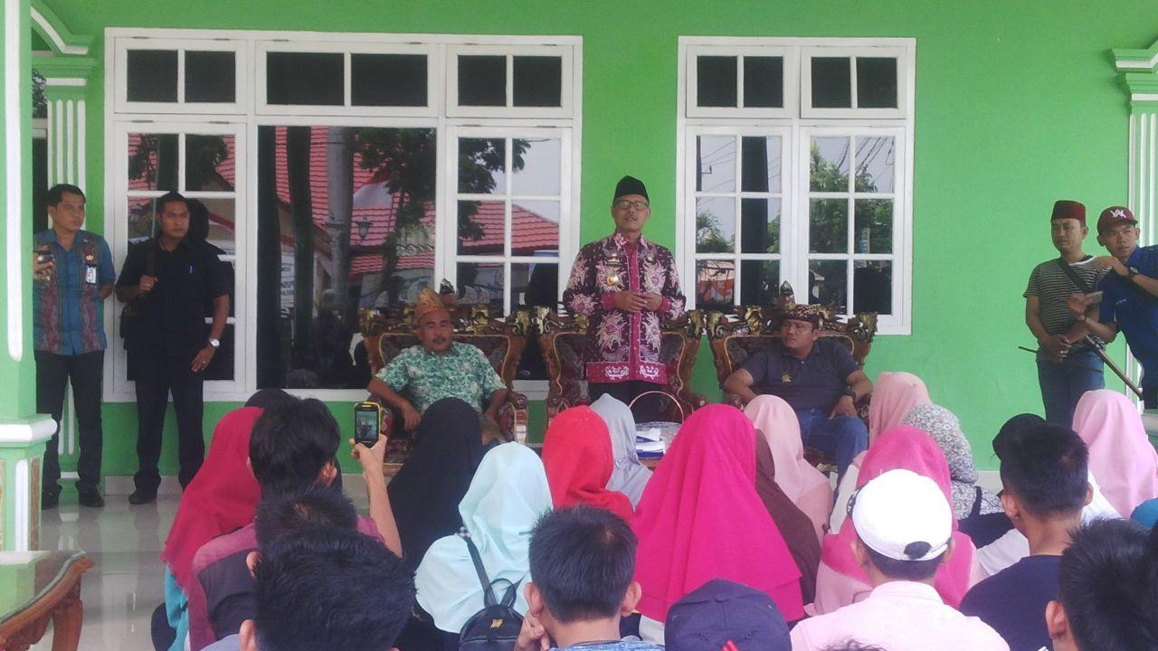 Samsul Hadi Lepas Rombongan Paksi Pak Sekala Bkhak ke Ajang Festival Keraton Nusantara
