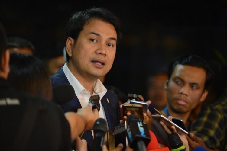 Eks Kadis Bina Marga Lamteng Serahkan Proposal DAK 2017 di Rumah Azis Syamsuddin