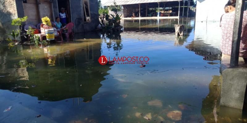 Empat Kecamatan di Pesawaran Terdampak Banjir Rob