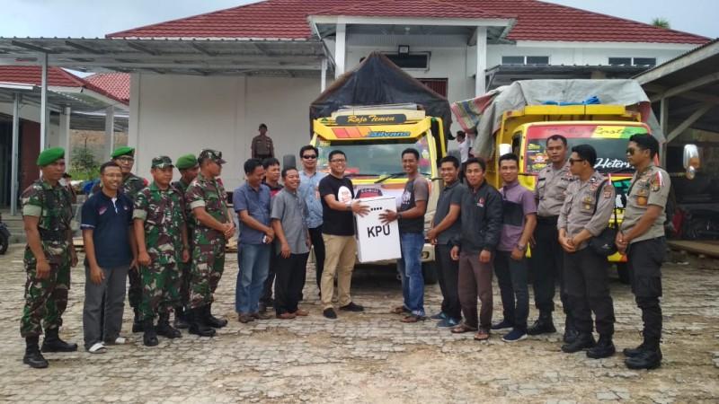 Enam Kecamatan di Way Kanan Antarkan Logistik Pemilu ke KPU