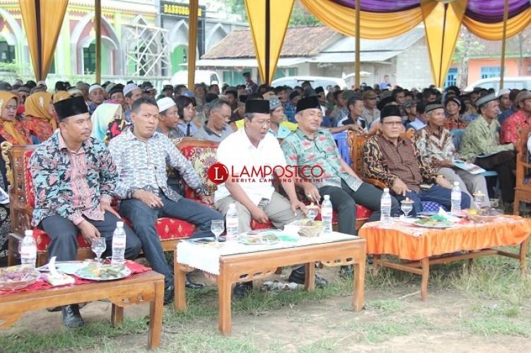 Enam Kepala Desa di Tanjungbintang Undang Anggota DPD