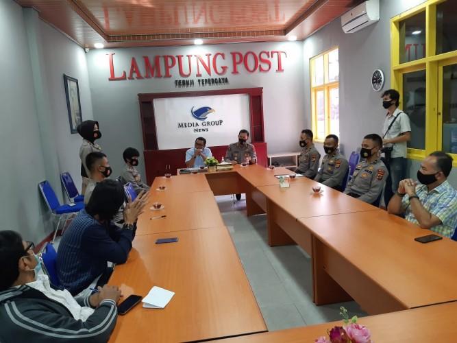 Enam Perwira Lulusan Akpol 2020 Belajar Jurnalistik di Lampung Post
