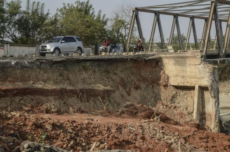 Enam Titik Ruas Jalan di Kabupaten Balangan Amblas