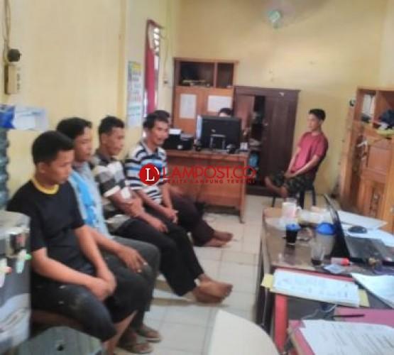 Enam Warga Abung Selatan Ditangkap saat Bermain Judi Remi