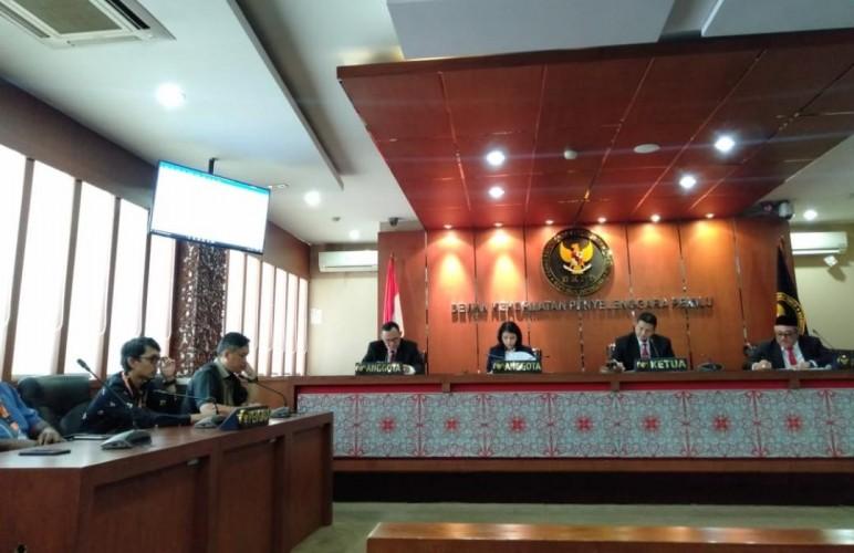 Esti Nur Fathonah Diberhentikansebagai Komisioner KPU Lampung