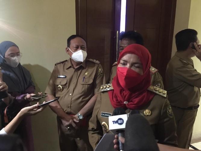 Eva Dwiana Janji Segera Perbaiki Jembatan Pulau Pasaran