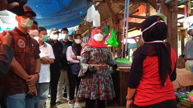 Eva Dwiana Sebut Pedagang Lama Diprioritaskan Tempati Pasar SMEP