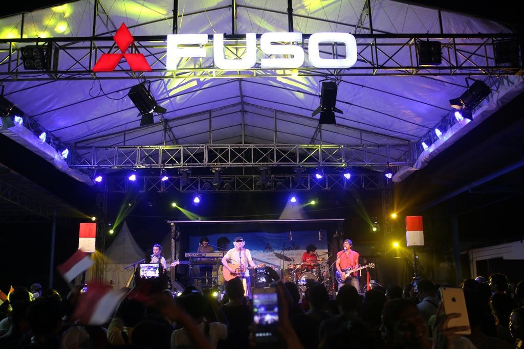 Bali Jadi Kota Pembuka Roadshow Mitsubishi Fuso-Iwan Fals