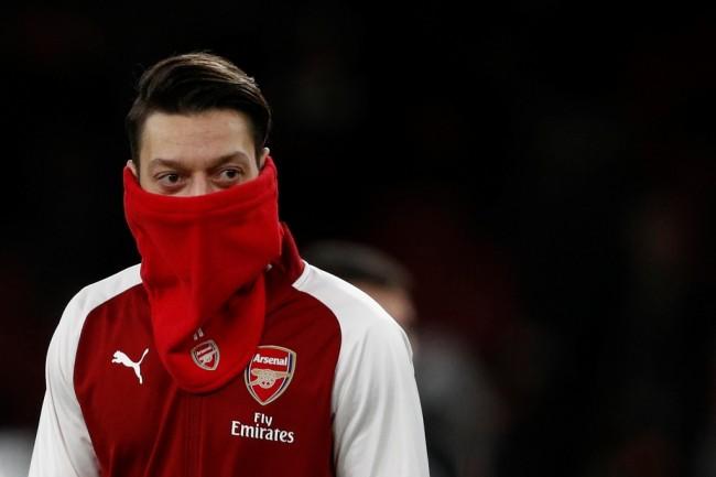 Aubameyang Hadir, Oezil Siap Teken Kontrak Baru di Arsenal