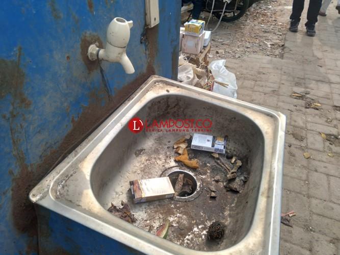 Fasilitas Cuci Tangan di Pasar Tugu Tak Berfungsi