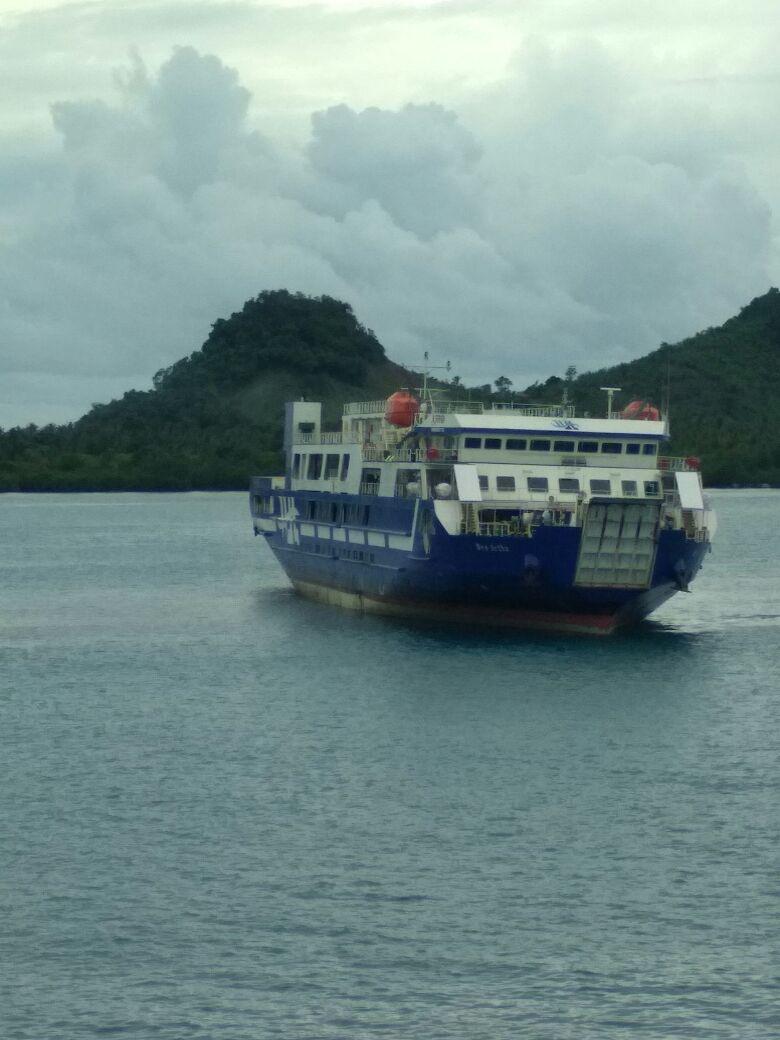 KMP Wira Kencana Kandas di Pulau Kelapa, 12 Jam Belum Bisa Dievakuasi