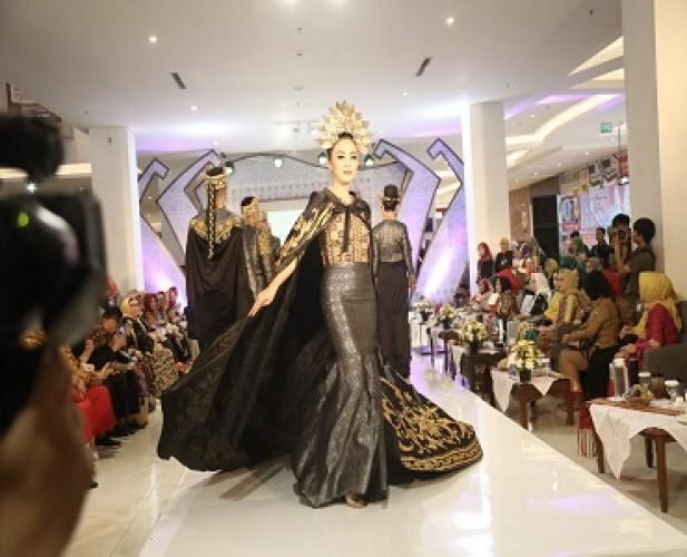 Fesyen Lampung Harus Lebih Kreatif dan Inovatif