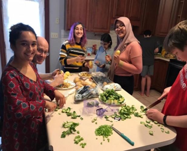 Fifi Ikut Rayakan Thanksgiving di Amerika