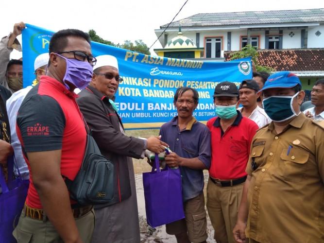 FKPP Salurkan Bantuan Sembako untuk Korban Banjir Bandang