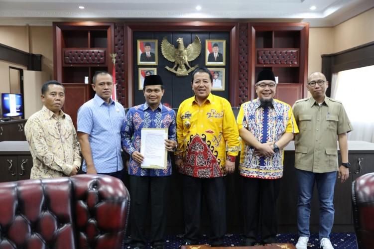 Fraksi DPRD Lampung Temui Gubernur Lampung Tindak Lanjuti Tuntutan Massa
