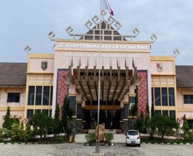 Gedung DPRD Tubaba Direhab, Kegiatan Dewan Tetap Berjalan