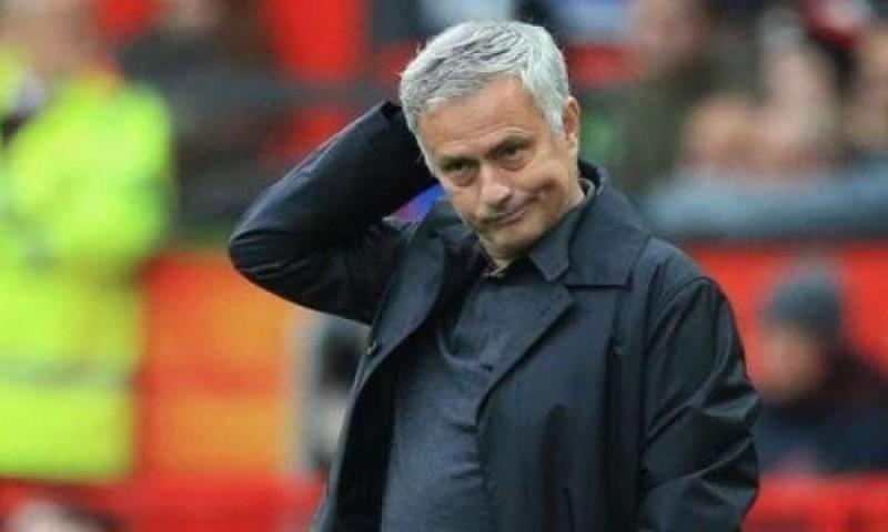Gelar Latihan Terbuka Saat Lockdown, Mourinho Dikecam