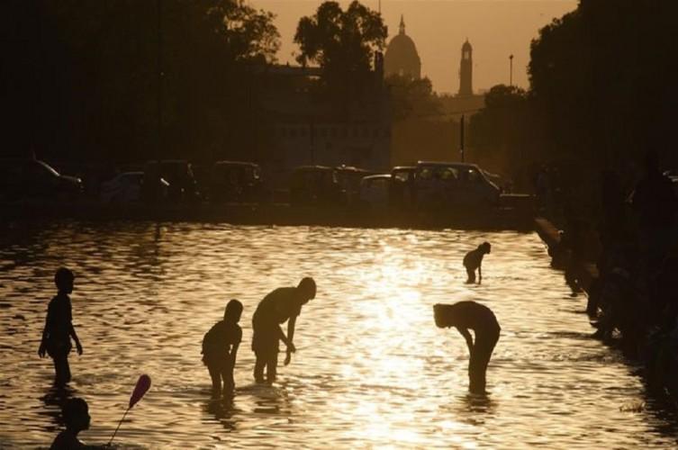 Gelombang Panas Landa India di Tengah Pandemi Covid-19