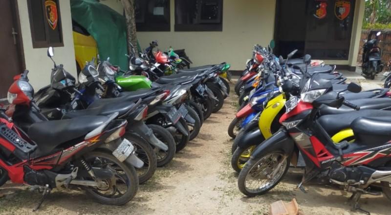 Gerebek Judi Koprok di Perkebunan Kakao, 21 Motor Diamankan