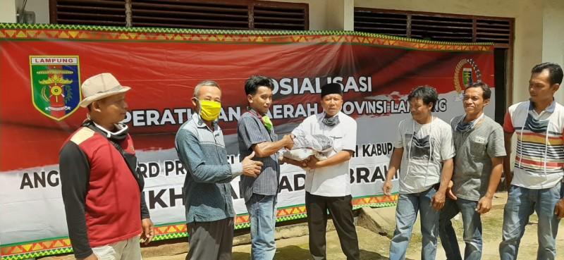 Gerindra Peduli Covid-19 Bagikan Ratusan Paket Sembako dan Masker untuk Masyarakat Lamteng