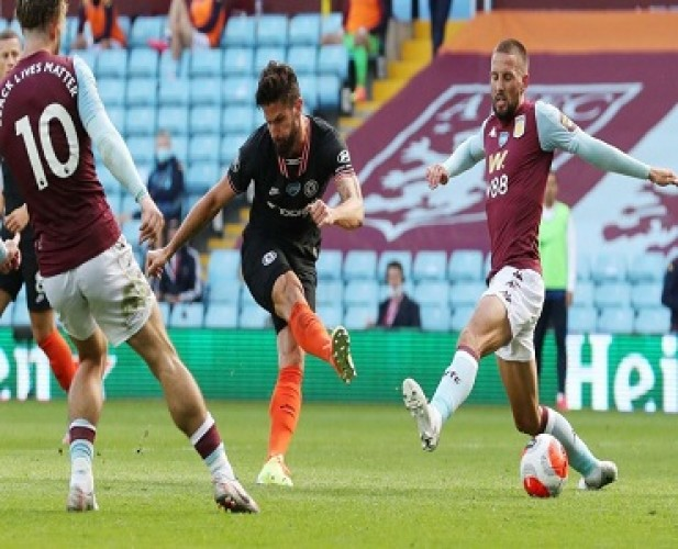 Gol Giroud Bantu Chelsea Mempermalukan Aston Villa