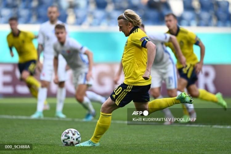 Gol Penalti Forsberg Antar Swedia ke Puncak Klasemen
