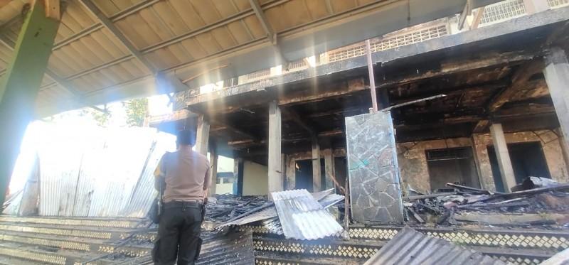 Gor Saburai Terbakar Pada Sisi Bagian Depan Renovasi