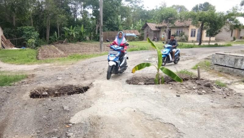 Gorong-gorong Penghubung Desa Bangunan-Tanjungsari Memprihatinkan
