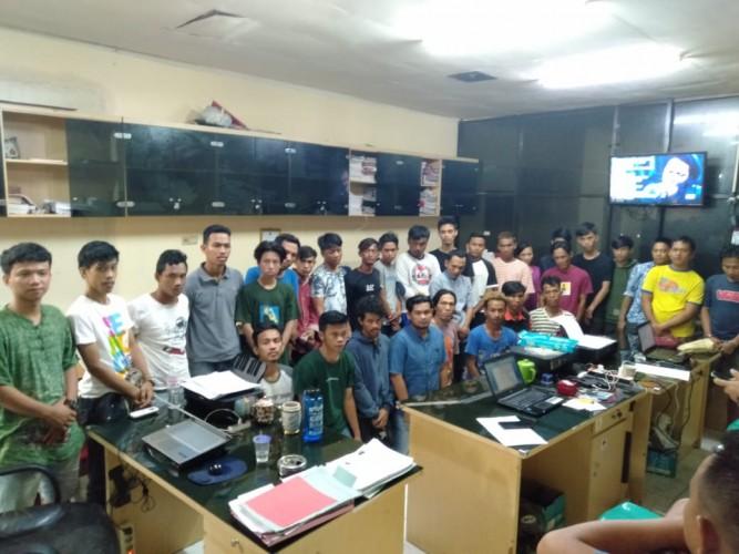 29 Orang Ditangkap saat Penggerebekan Sarang Bandar Sabu