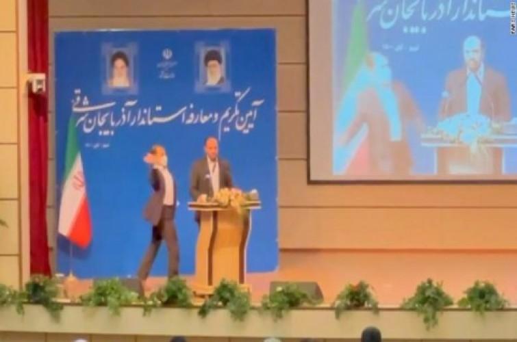 Gubernur di Iran Ditampar Orang Tak Dikenal Saat Berpidato