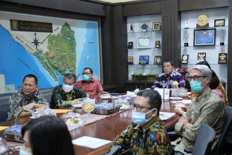 Gubernur Lampung Rangkul Nestle Bina Petani Kopi