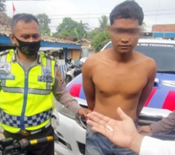 Gugup saat Ditilang, Pria Ini Ketahuan Bawa Sabu-sabu