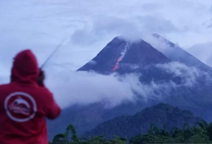 Gunung Merapi Masuki Fase Erupsi Efusif