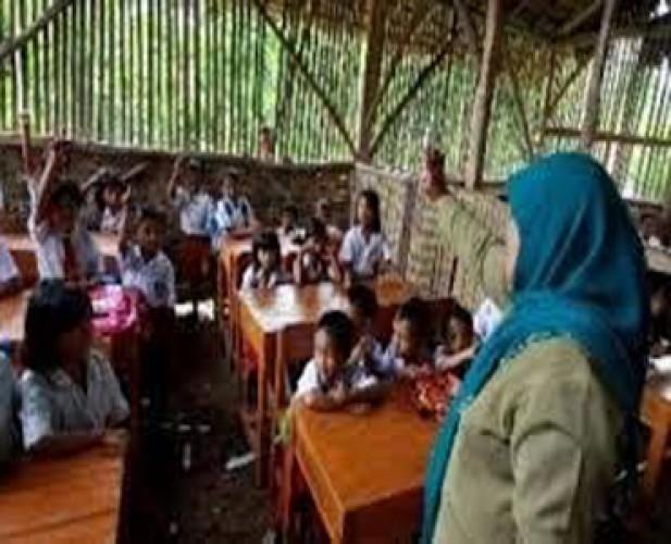 Guru Terpencil di Tanggamus Mengeluh Tidak Dapat Dana Tunjangan