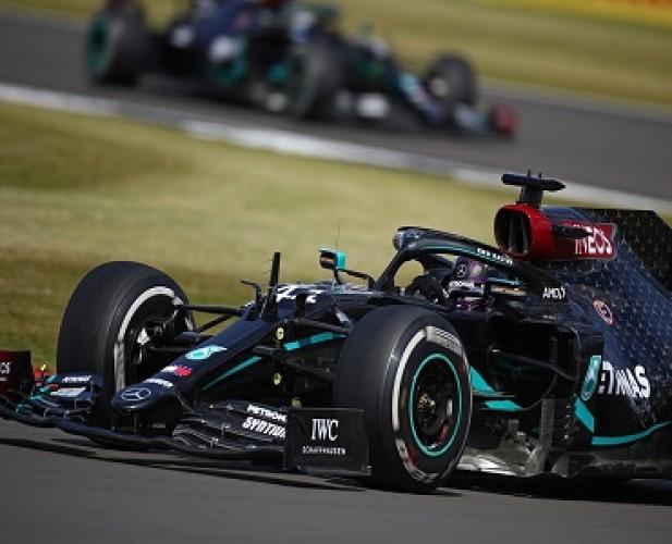 Hamilton Juara F1GP Inggris di Tengah Banyak Kecelakaan
