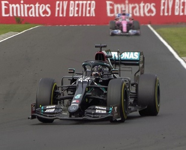 Hamilton Kuasai GP Hungaria