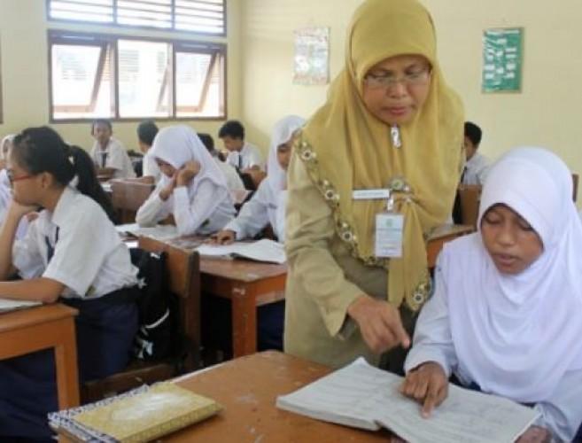 Hampir Separuh Guru Bandar Lampung Masih Tenaga Honorer