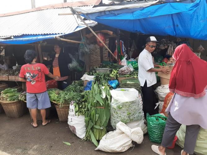Harga Bahan Pokok di Pasar Tradisional Merangkak Naik