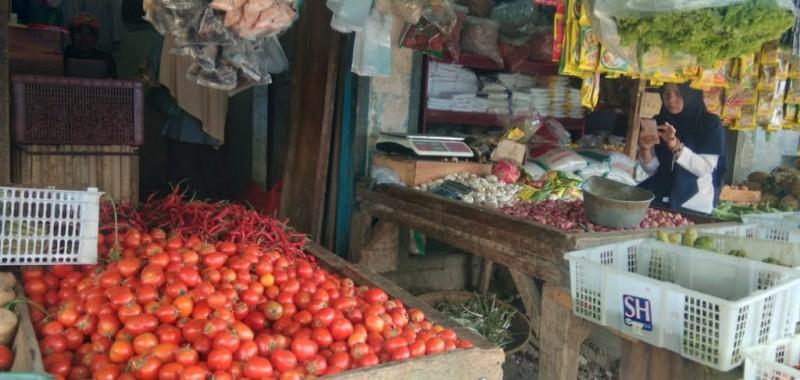 Harga Cabai Merah di Lamsel Merosot Tajam