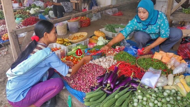 Harga Sayur Mayur di Lamsel Terus Merangkak Naik