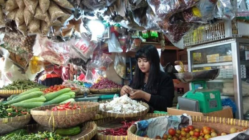Harga Sejumlah Bahan Pokok di Pasar Alami Penurunan