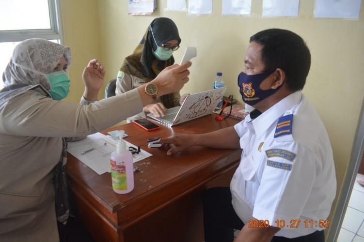 Hasil Tes Rapid Covid-19 Seluruh Pegawai KUPP Kotaagung Nonreaktif
