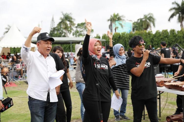 Helat Siger Mon 2020, Nunik Rangkul Musisi Lampung