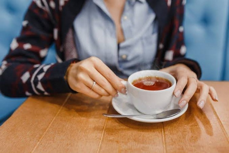 Hindari Minum Teh Setelah Makan, Ini Akibatnya